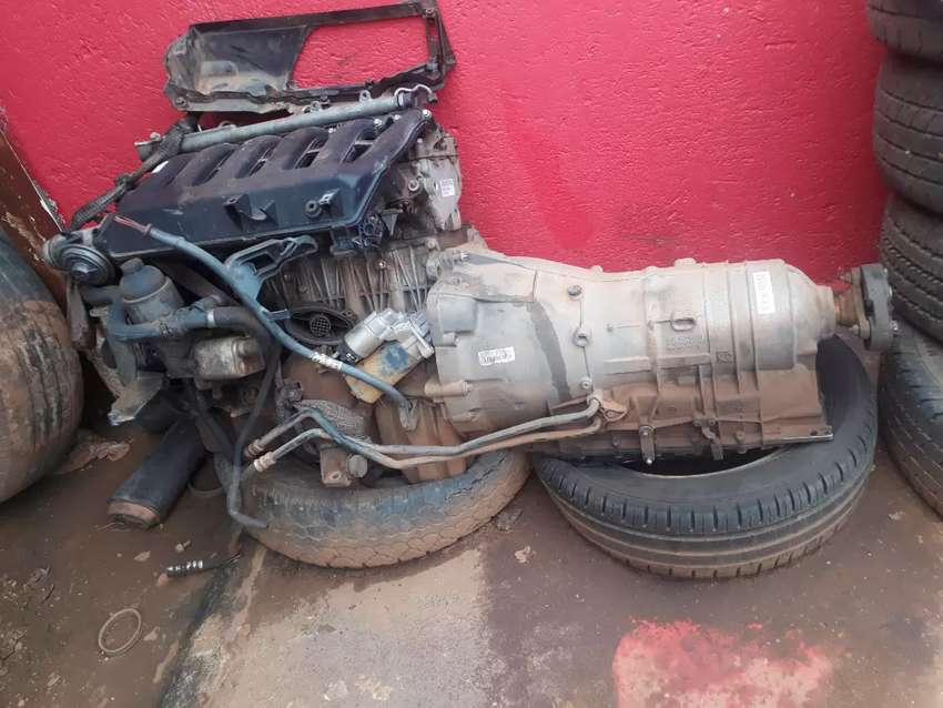 330 Bmw 2006 Engen and gearbox 0