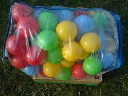 piłeczki kolorowe do basenu