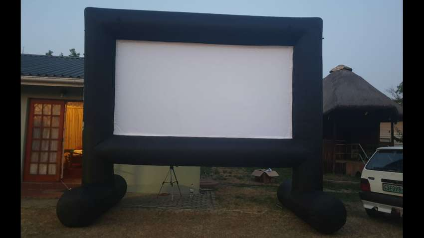 Larg blow up projector screen