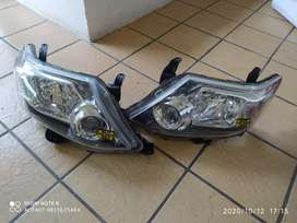 Toyota fortune headlights both side xenon headlights