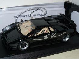 Масштабная модель Lamborgini Diablo SV (1:18) Maisto