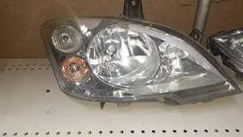 MERCEDES VIANO HEADLIGHT RIGHT SIDE AVAILABLE