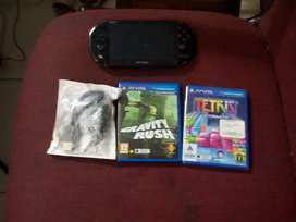 Excellent condition pre owned psvita. Console