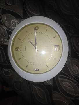 Clock in Excellent condition for sale R100