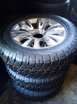 """18"""" Isuzu mag with brand new 255/60/18 General Grabber A/T R3650"""