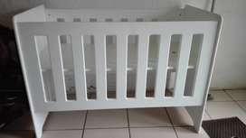 Baby cot for sale R1600 NEG