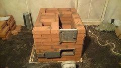 Печник строю ремонтирую печи грубы устроняю поподания дыма в дом.