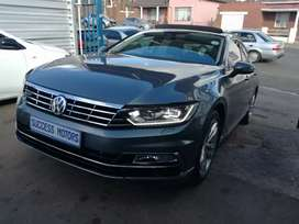 2016 vw passat  1.8 tsi bluemotion R-line with a sunroof
