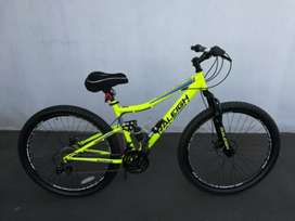 "MOUNTAIN BIKE: RALEIGH CANYON FRS 29"" PRO SERIES  + ACCESSORIES."