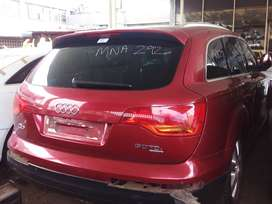 AUDI Q7 3.0TDI STRIPPING FOR SPARES