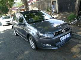 2014 VW POLO 6 1.6 MANUAL WITH SUNROOF