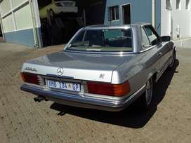 Im selling 450SL with hard top and soft top aircond  original.