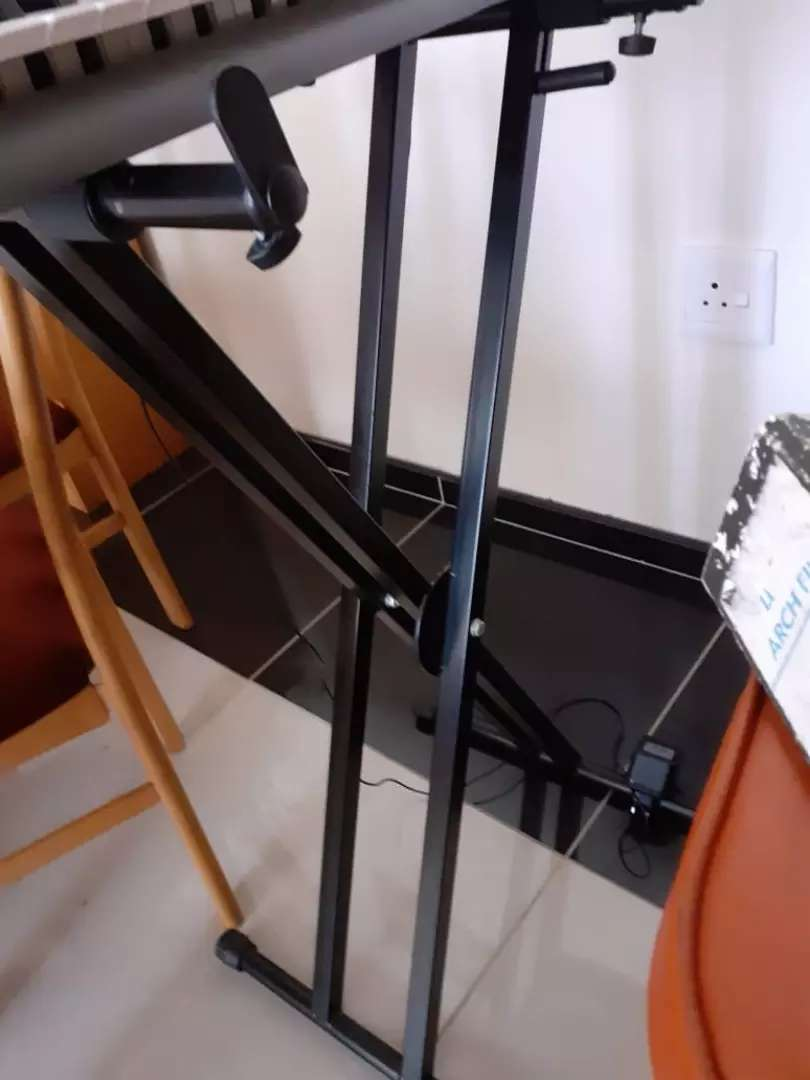 Keyboard stand for sale 0