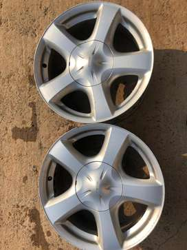 Isuzu set of 5 rims for sale 17