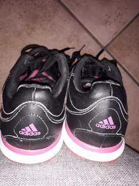 Ladies Adidas Black and Pink trainers - Collection in Centurion CBD