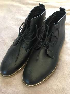10% OFF MrPrice MENS Boots- NEVER USED