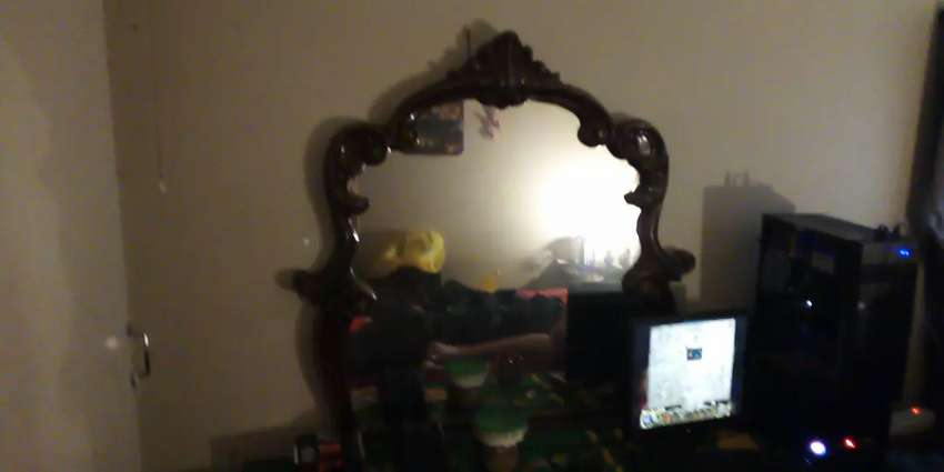 headboard dressing table and queen size bed 0