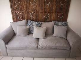 3 seater couch, 4yrs old. Neg