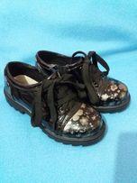 Продам туфли для девочки ТМ Королева красоты