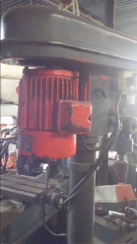 Horizontal Drill Press with Vice