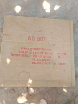 Mercedes 200:  123 and 124, air filter