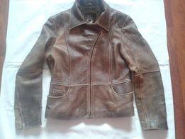 Женская кожаная куртка GUESS