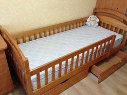 односпальная Кровать с массива дерева