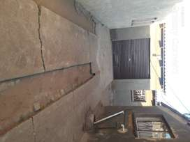 Two rooms and a garage to rent