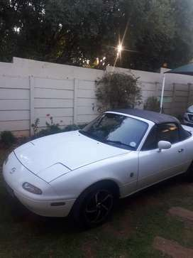 Classic NA mazda mx5 miata with hard top and soft top