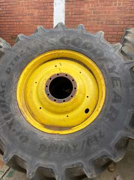 Goodyear 710/70R38 Tyre and rim