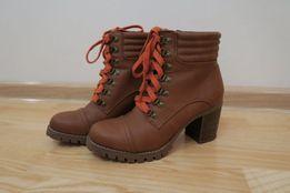 Новые женские деми ботинки SKECHERS!