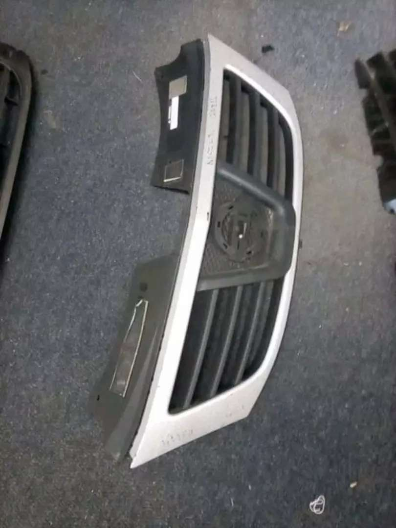 Nissan NP200 main grill for sale 0