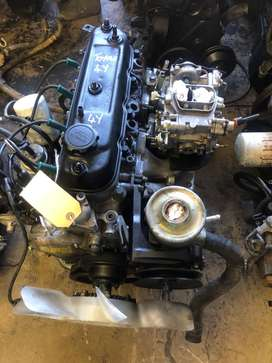 TOYOTA HILUX 4Y ENGINE AND GEARBOX FOR SALE