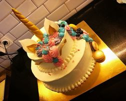 Заказные торты , корпоративные торты , кенди бар , десерты на заказ
