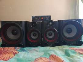 2jvc subs 2jvc tweeters and a ecco amp 1700 neg