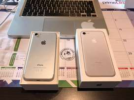 Apple iphone 7(silver) 32gig