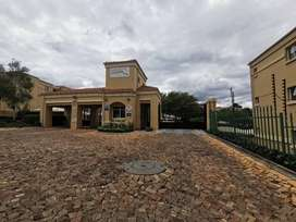 Fully furnished Apartment in Northcliff ,Johannesburg