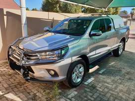 Toyota Hilux GD-6 Extracab 2016 too many extras too mention