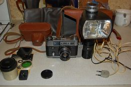 Фотоаппарат ФЭД 5 + вспышка ЛУЧ М1 + фотоувеличитель + глянцеватель