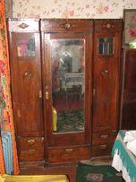 Продам антикварный шкаф, времен раннего ссср