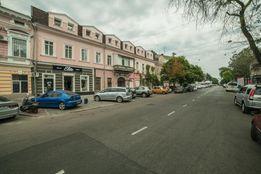 Квартира на Греческой 40 (2/3 эт., 66 м) под апартаменты или хостел