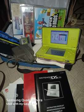 Nintendo ds lite Green with accessories