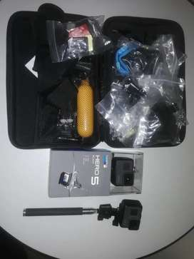 2 GoPro Hero 5 with accessories