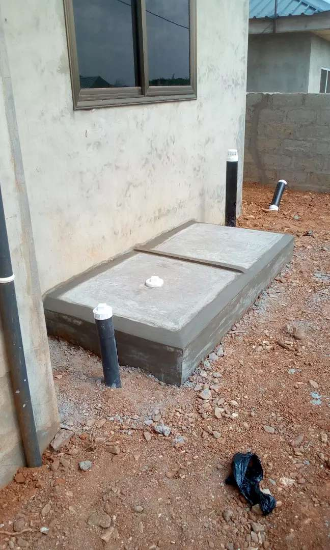 Biofil and biogas toilet 0