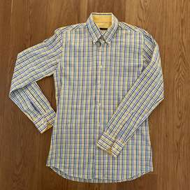 New Marcus slim fit shirt. Size: 15.5 39