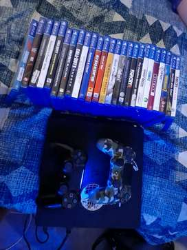 Ps4 whit 2 remotes and 25 games