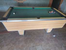 Pool table snooker