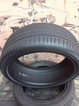 225/40/19 runflat tyres