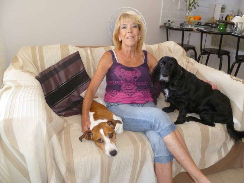 HOUSE SITTING SERVICES OFFERED - HOUSE & PET SITTING