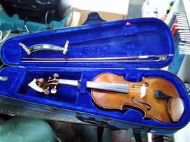 The Stentor student 1 violin with case 212Jan20